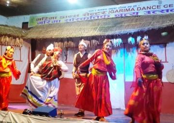 सांस्कृतिक नृत्य उत्सवमा भीड