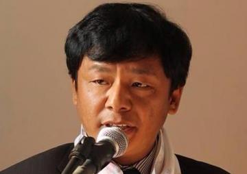 'कविताका पाठक प्रशस्तै छन्' - कवि बिकु लामा