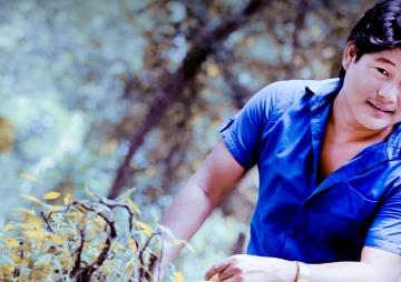 'गायक बन्न ट्रक चढेर मुम्बई पुगेँ'