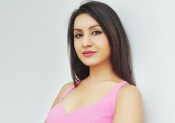 'मलाई फिल्म अफर गर्नुभन्दा अगाडि सोचून्'