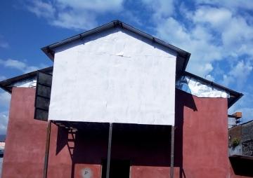 अभावले देखाएको 'नाटक घर'सपना