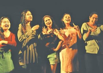 नाटकघरमा 'योनिका कथाहरु'
