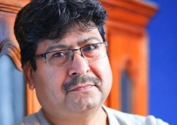 'कमजोर लेखक पुरस्कार नपाउँदा रुन्छ'