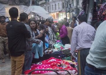 दसैं अर्थतन्त्र : चिनियाँ कपडा, भारतीय खसीबोका