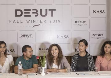 'डेब्यु'मा सहभागी बन्न विदेशी मोडल नेपालमा