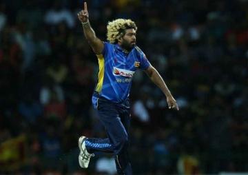मालिङ्गाको दुर्लभ प्रदर्शन : एकै खेलमा ह्याट्रिकसहित पाँच विकेट